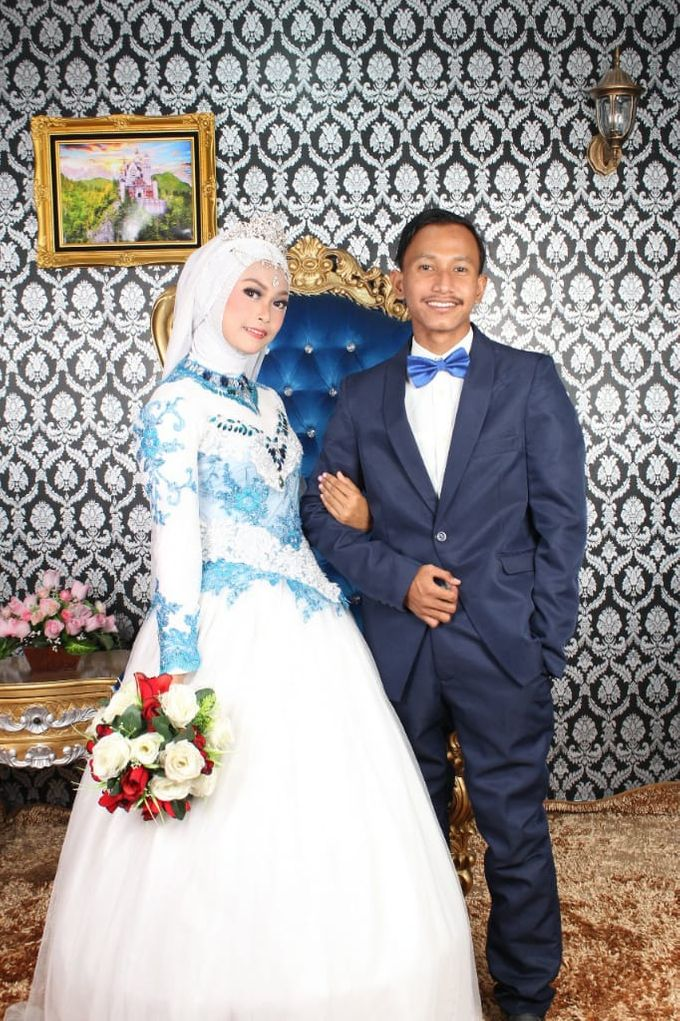 Prewedding Indoor Hijab by AMEY CHAN SALON BRIDAL - 008