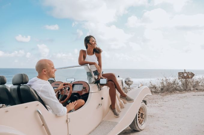 White Classic Car by Bali Classic Community - 010