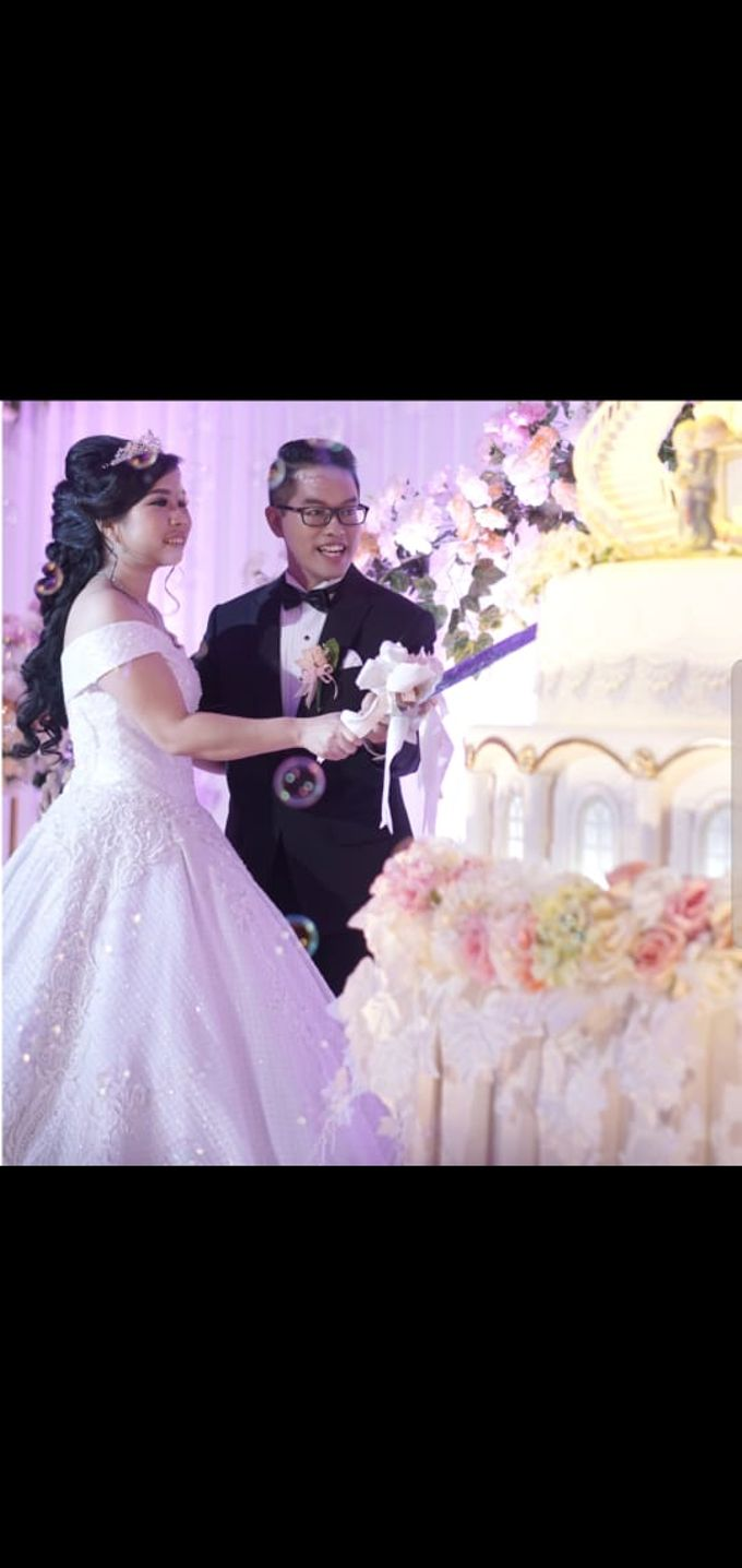 Mr & Mrs. Roy Hadi Saputra by Ventlee Groom Centre - 002