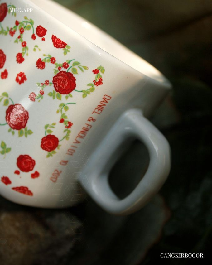 Mug Kotak Full Flowers by Mug-App Wedding Souvenir - 006