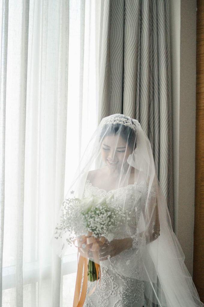 The Wedding of Christ & Eve by Yumi Katsura Signature - 009