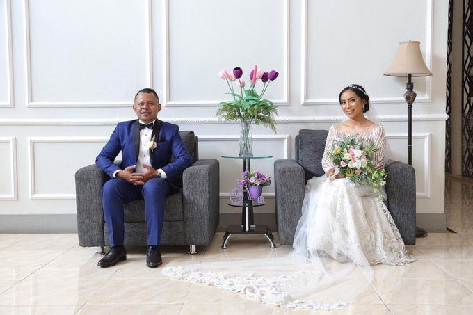 Mr. Ignasius Laya & Mrs. Flaviana by Ventlee Groom Centre - 006