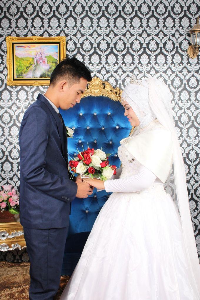 Prewedding Indoor Hijab by AMEY CHAN SALON BRIDAL - 006
