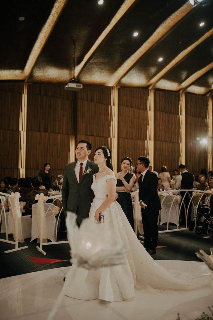 Adrian and Michelle Wedding by ARTH Studio - 009