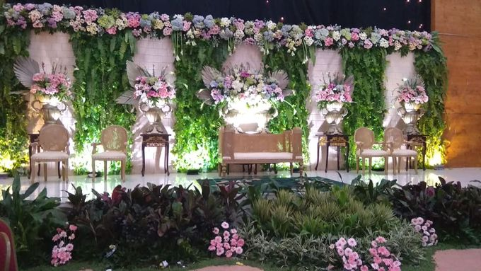 The Wedding Of Lastry & Hendry - Bohemian Rustic by Dirasari Catering - 001