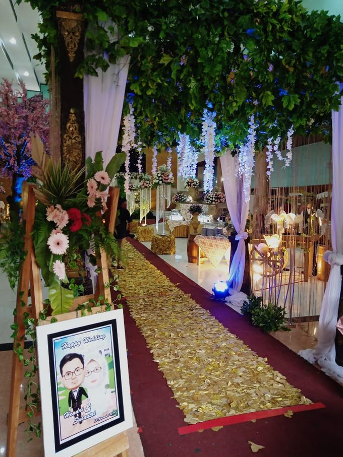The Wedding Of Lastry & Hendry - Bohemian Rustic by Dirasari Catering - 023