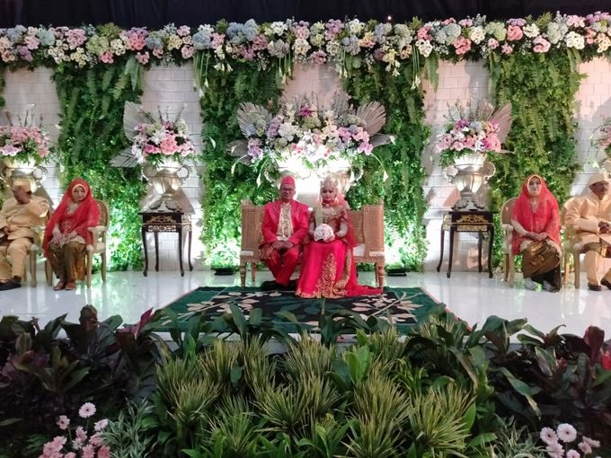 The Wedding Of Lastry & Hendry - Bohemian Rustic by Dirasari Catering - 029