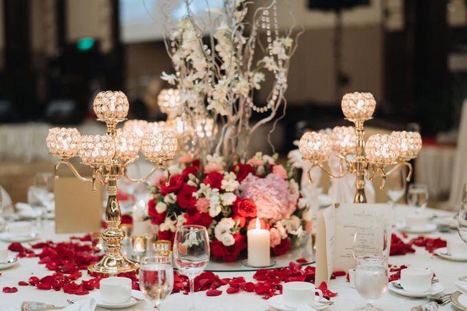 Wedding Decoration : Elegant and Dreamy by Florist By HaejaBudiman - 007