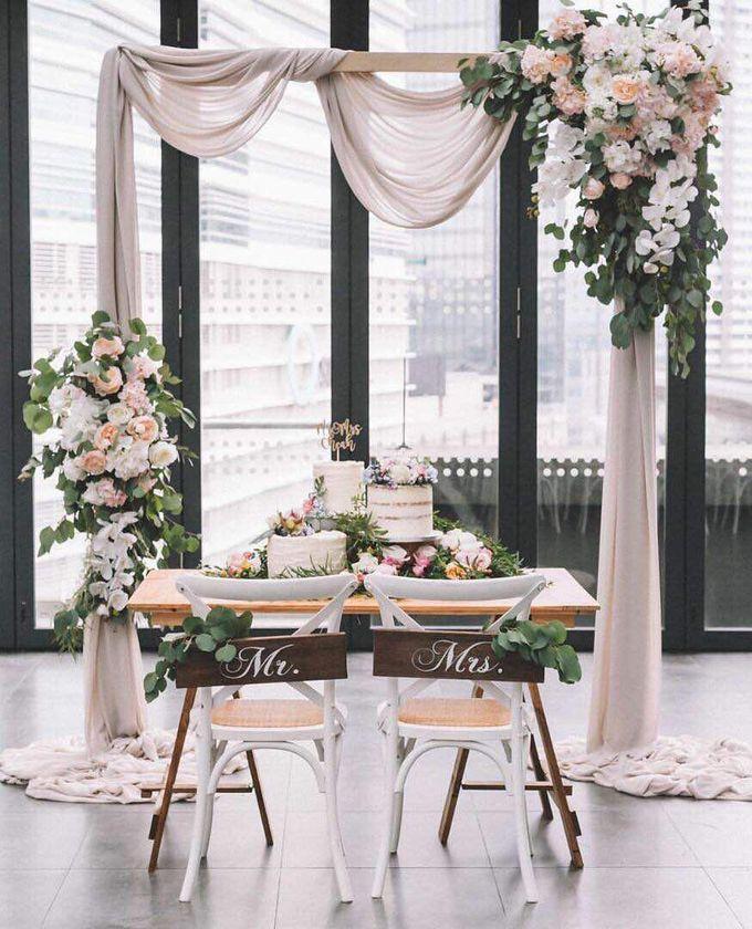Wedding Decoration : Simple Elegant by Florist By HaejaBudiman - 003