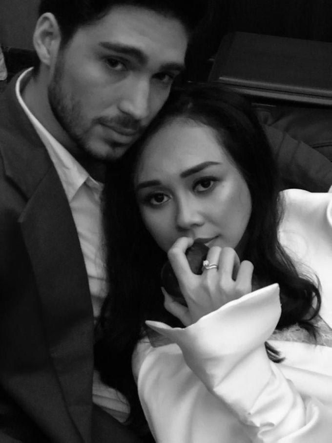 Aura Kasih & Eryck Amaral by Henri Winata Menswear - 001