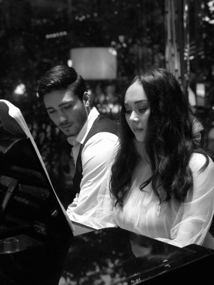Aura Kasih & Eryck Amaral by Henri Winata Menswear - 003