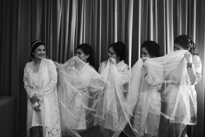 The Wedding Of Febri & Carren by de_Puzzle Event Management - 028