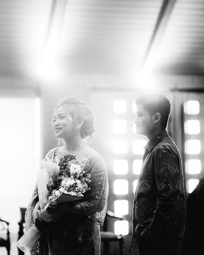 Allysa Riyandi Engagement by Chandira Wedding Organizer - 007