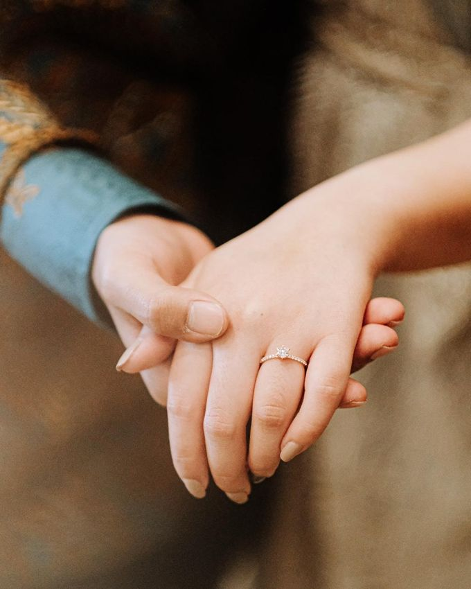 Allysa Riyandi Engagement by Chandira Wedding Organizer - 043