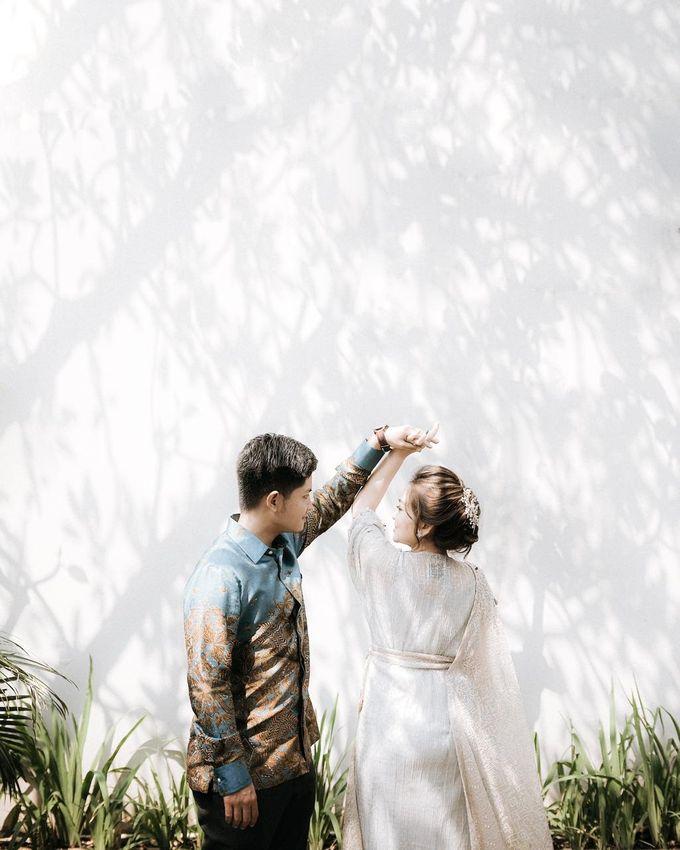 Allysa Riyandi Engagement by Chandira Wedding Organizer - 022