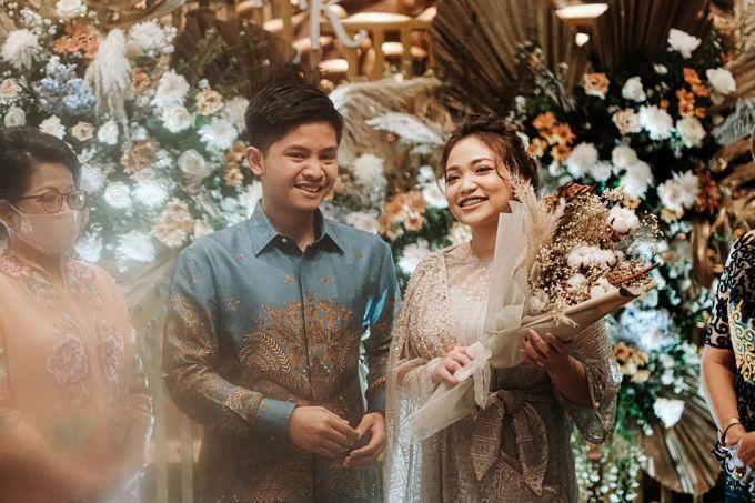 Allysa Riyandi Engagement by Chandira Wedding Organizer - 021
