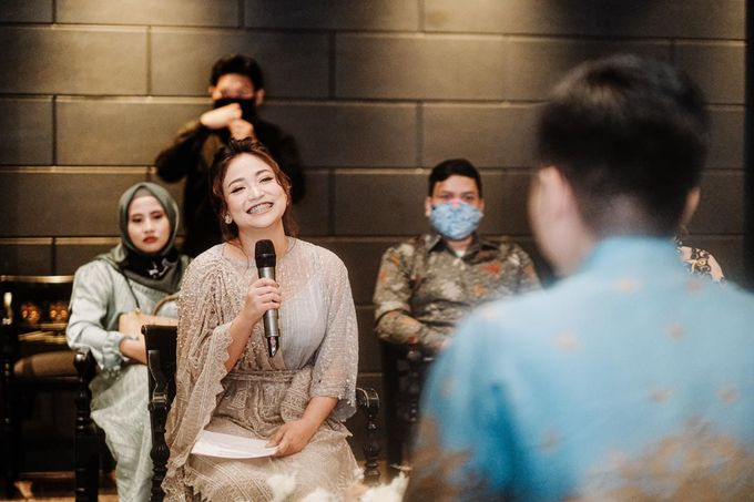 Allysa Riyandi Engagement by Chandira Wedding Organizer - 036