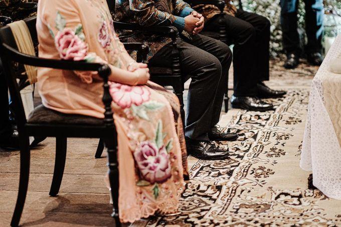 Allysa Riyandi Engagement by Chandira Wedding Organizer - 045