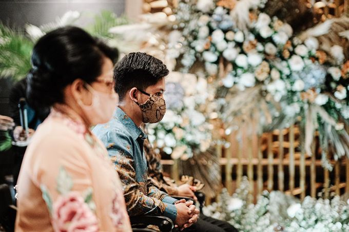 Allysa Riyandi Engagement by Chandira Wedding Organizer - 028
