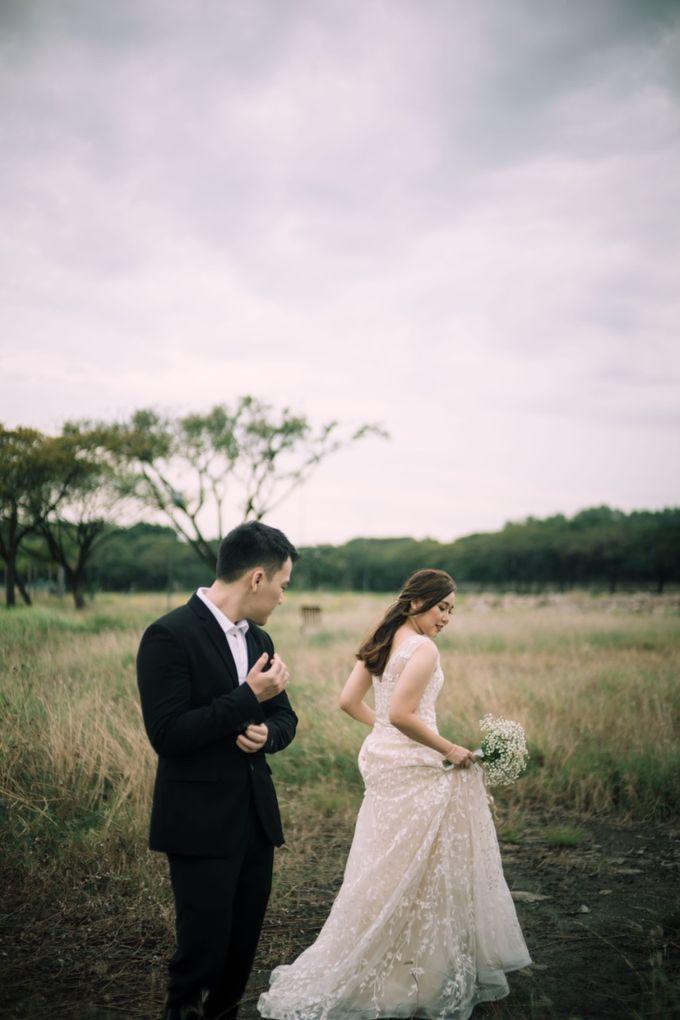 Outdoor Prewedding For Ferdinand & Michelle by Elina Wang Bridal - 003