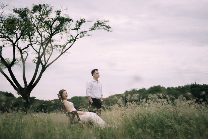 Outdoor Prewedding For Ferdinand & Michelle by Elina Wang Bridal - 006