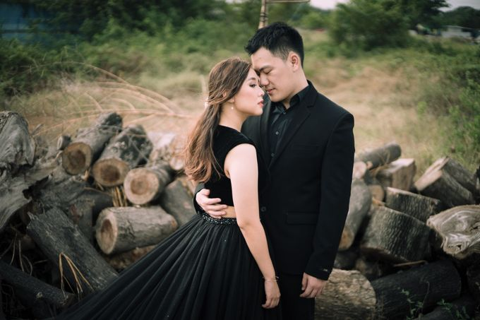 Outdoor Prewedding For Ferdinand & Michelle by Elina Wang Bridal - 008