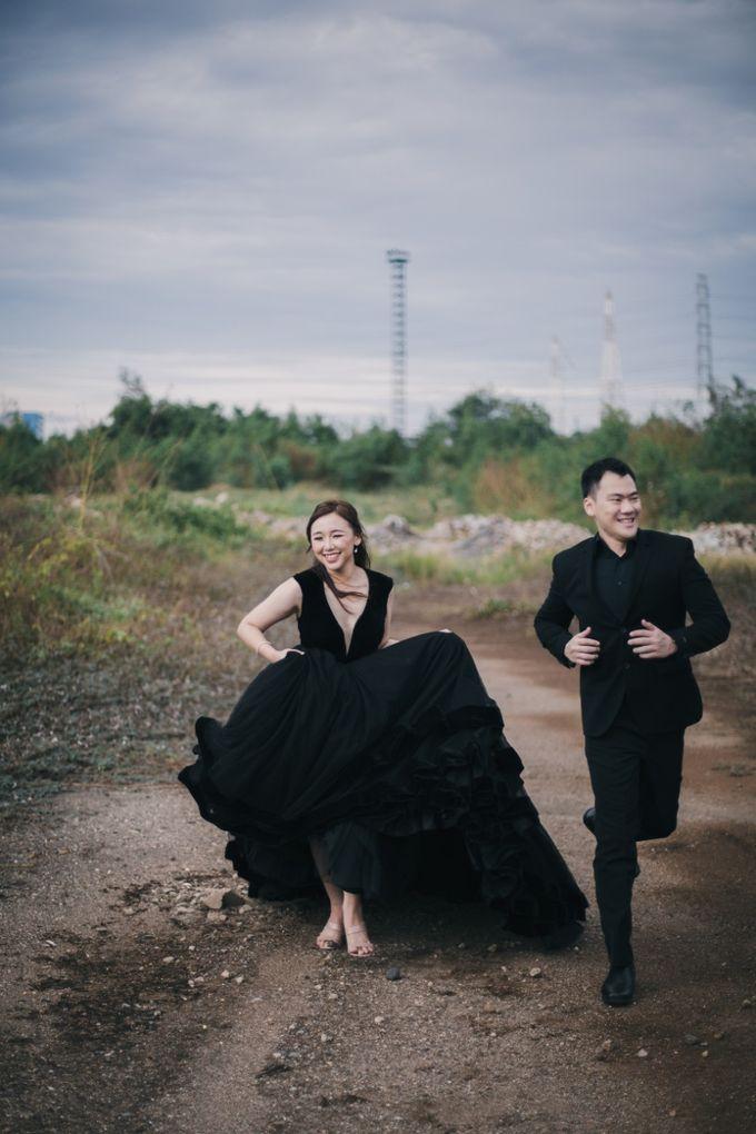 Outdoor Prewedding For Ferdinand & Michelle by Elina Wang Bridal - 005