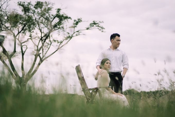 Outdoor Prewedding For Ferdinand & Michelle by Elina Wang Bridal - 001