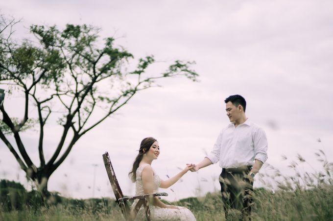 Outdoor Prewedding For Ferdinand & Michelle by Elina Wang Bridal - 002