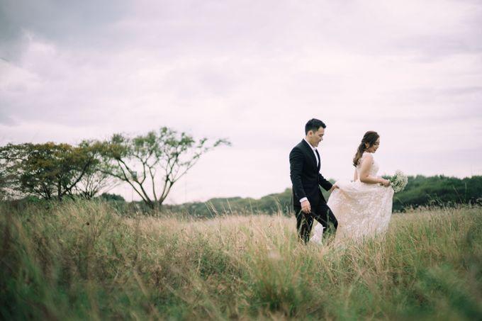 Outdoor Prewedding For Ferdinand & Michelle by Elina Wang Bridal - 007
