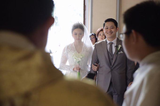Holy Matrimony Eric & Zazia by The Flower Philosophy - 012