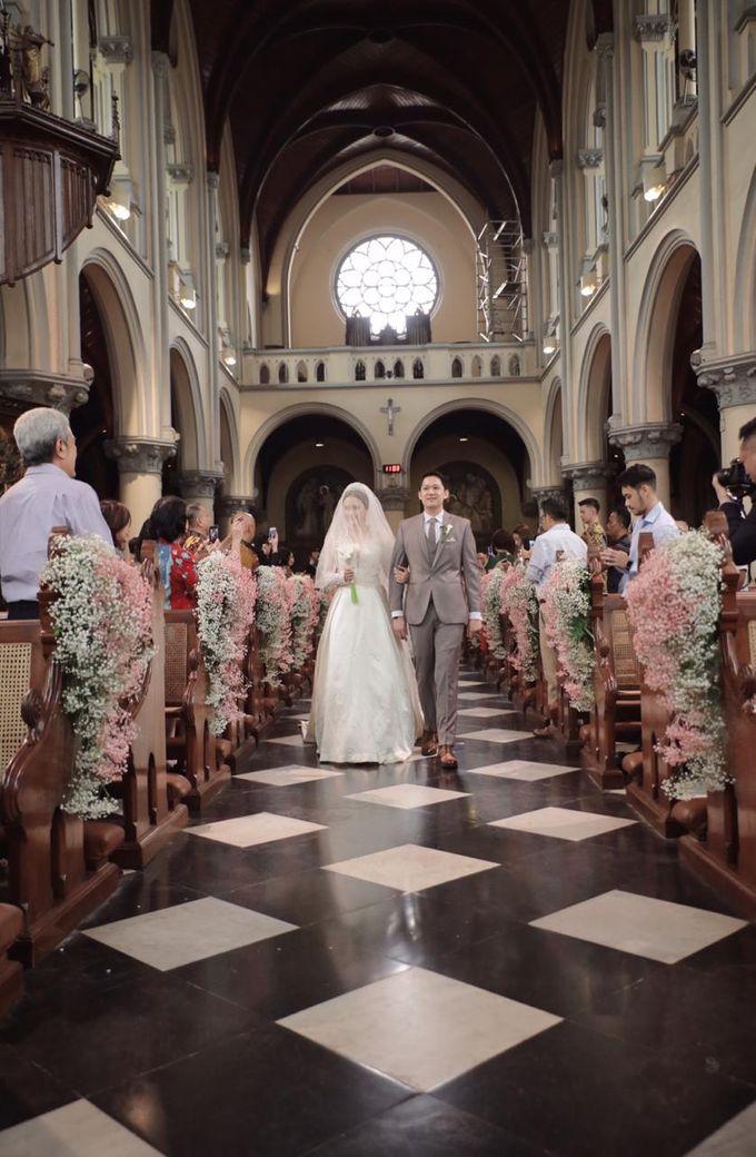 Holy Matrimony Eric & Zazia by The Flower Philosophy - 004