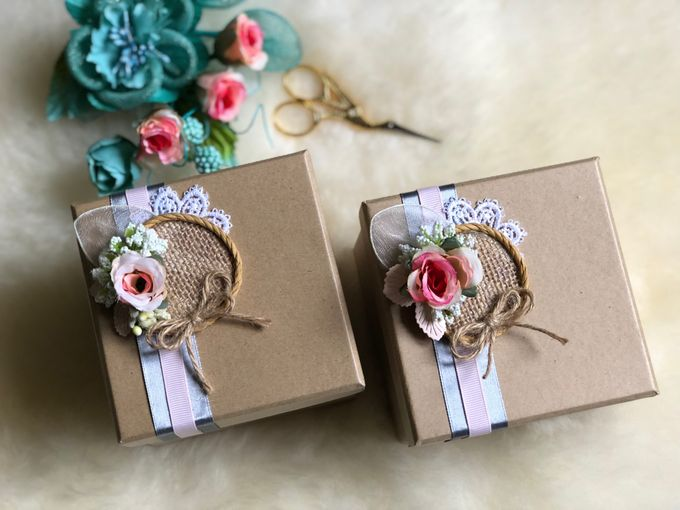 Rustic Wedding Favours By Box Tale Bridestory