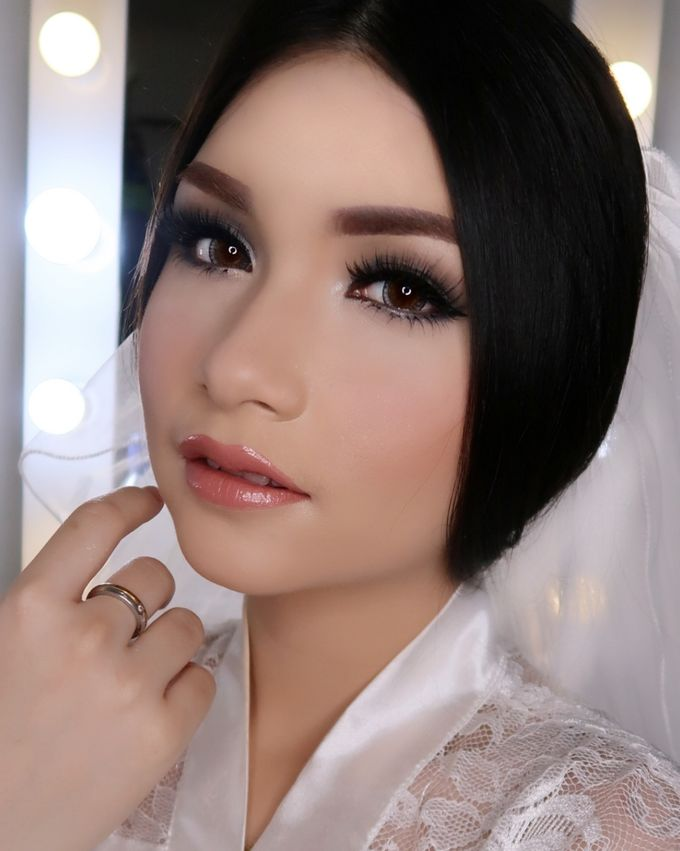 Ms. Ivy (Wedding Airbrush Makeup) by MarisaFe Bridal - 005