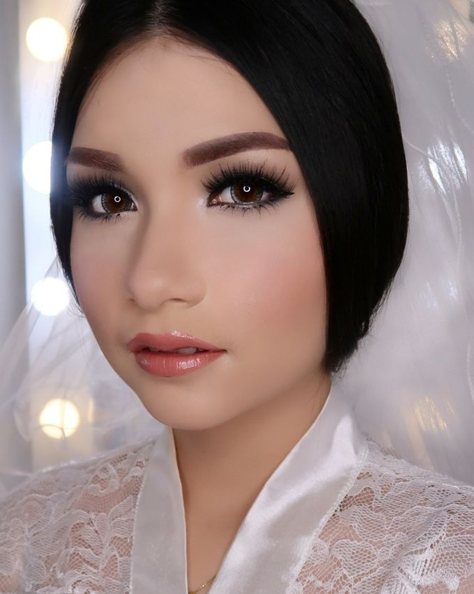 Ms. Ivy (Wedding Airbrush Makeup) by MarisaFe Bridal - 004