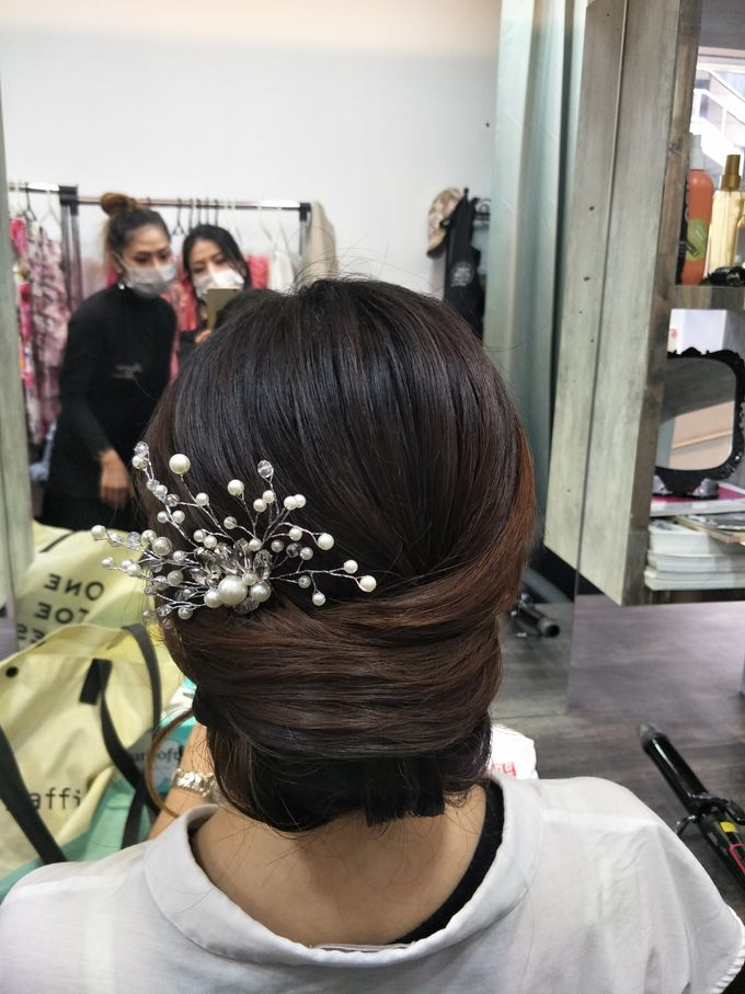 Hairstyling By Lili by Lili Makeup Specialist - 022