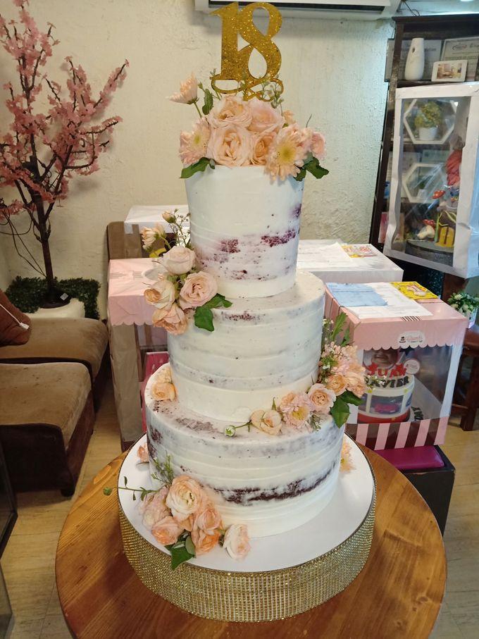 Customized Wedding Naked Cake Rustic Themed Cake by Crumbs Cake Art Bakeshop - 004