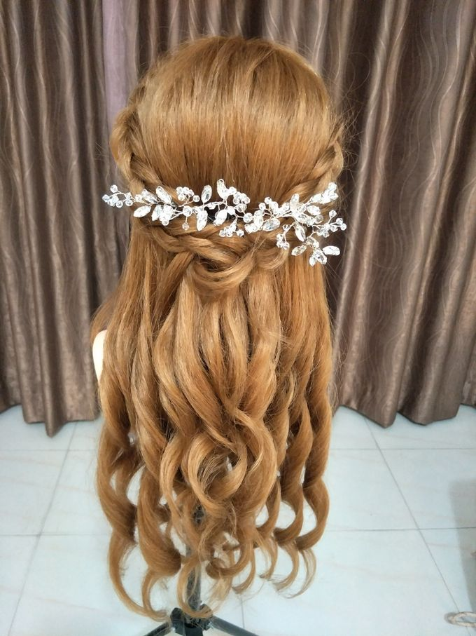 Hairstyling By Lili by Lili Makeup Specialist - 016