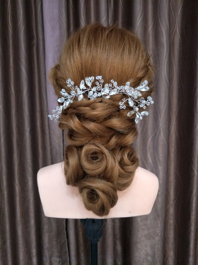 Hairstyling By Lili by Lili Makeup Specialist - 020