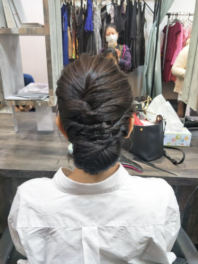 Hairstyling By Lili by Lili Makeup Specialist - 017