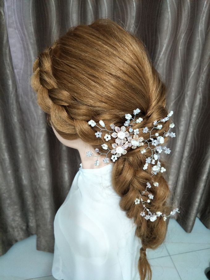 Hairstyling By Lili by Lili Makeup Specialist - 018