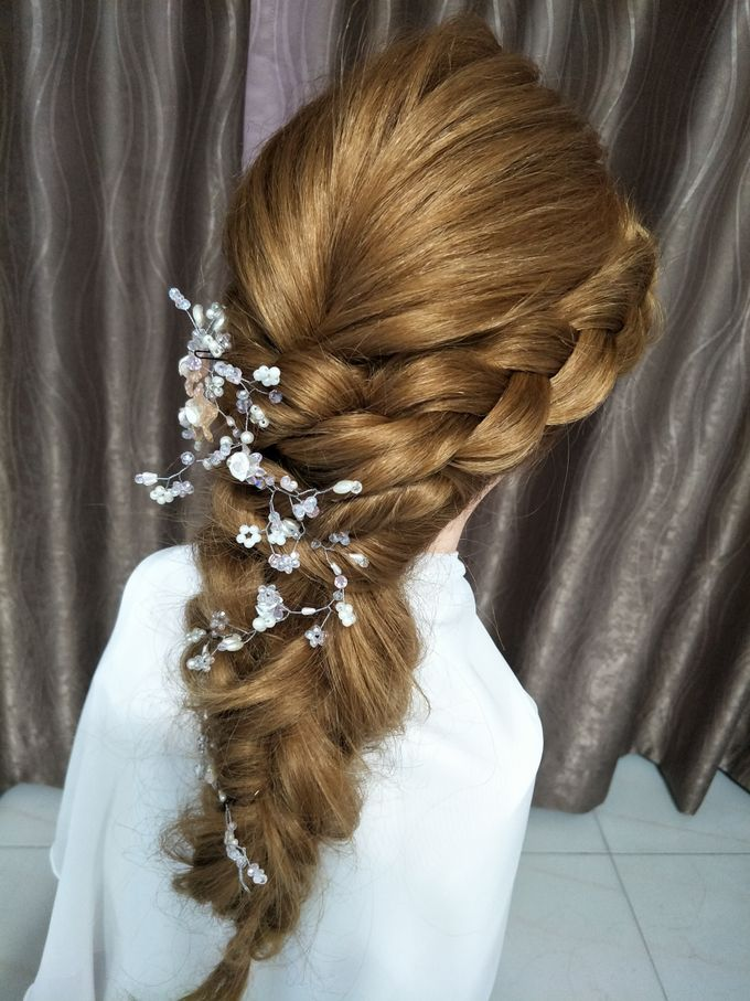Hairstyling By Lili by Lili Makeup Specialist - 019