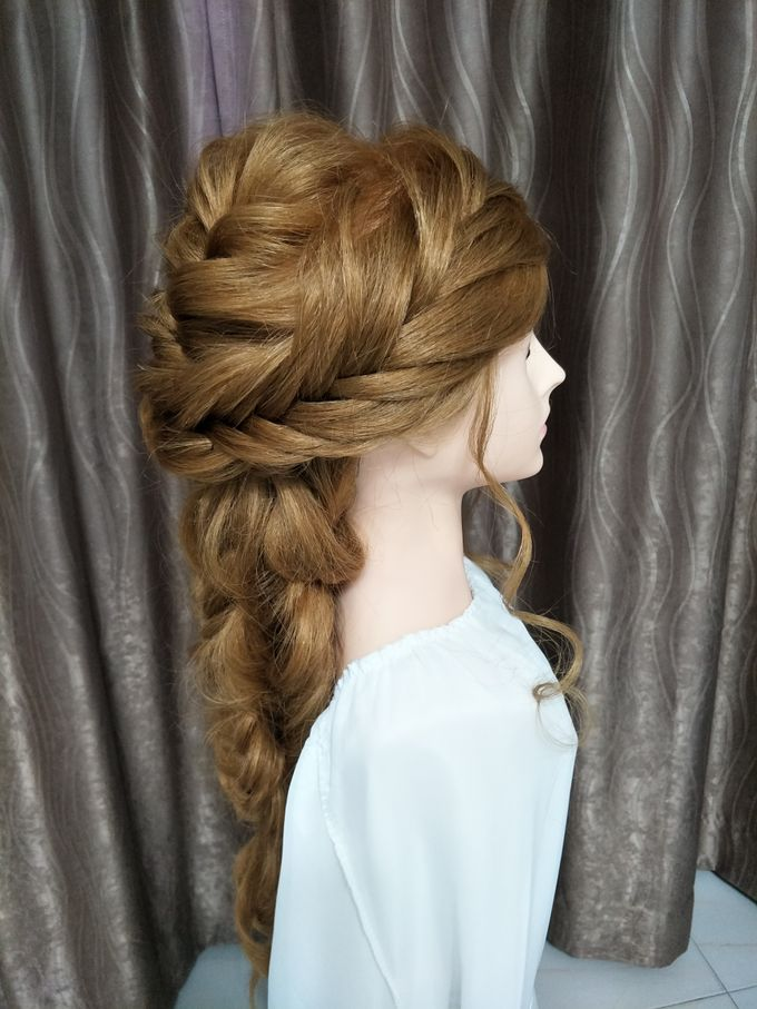Hairstyling By Lili by Lili Makeup Specialist - 014