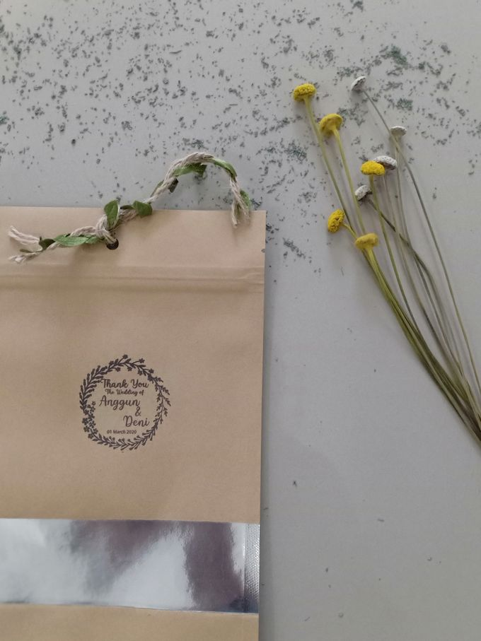 Simple Packaging by Yoursouvenirsocks - 019