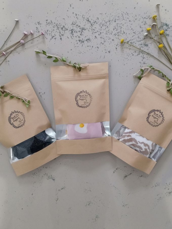 Simple Packaging by Yoursouvenirsocks - 003