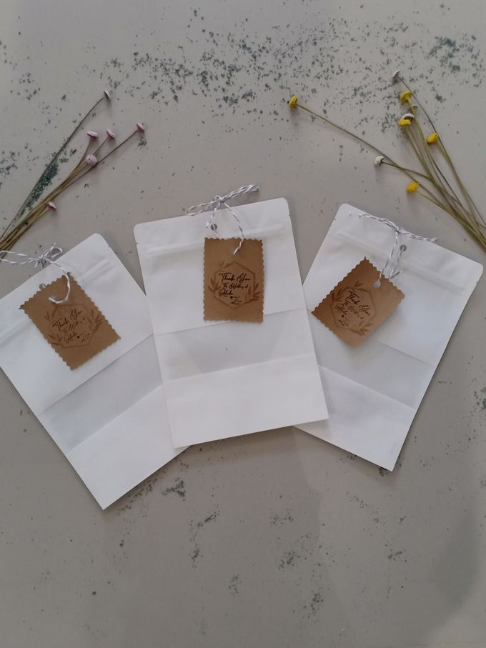 Simple Packaging by Yoursouvenirsocks - 013