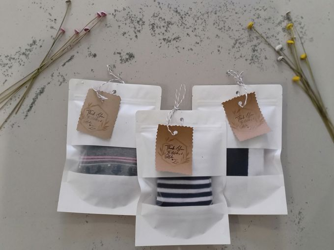 Simple Packaging by Yoursouvenirsocks - 011