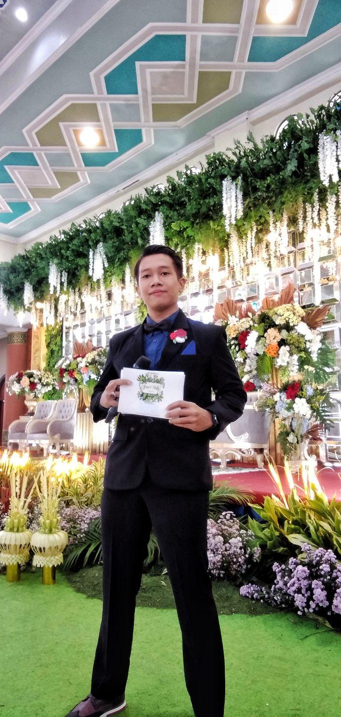 Modern wedding party by Bagus Priyo Laksono MC - 001