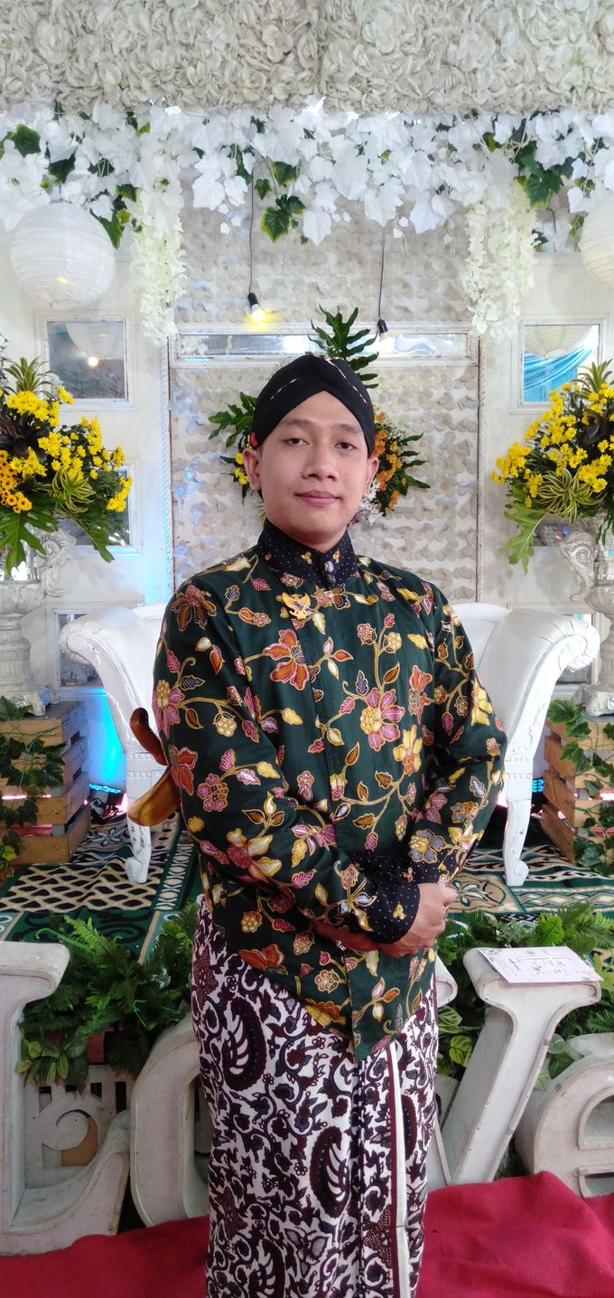 Traditional Wedding acara rumahan by Bagus Priyo Laksono MC - 003