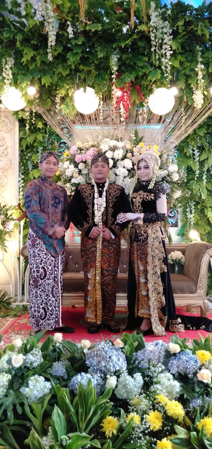 Traditional Wedding acara rumahan by Bagus Priyo Laksono MC - 002